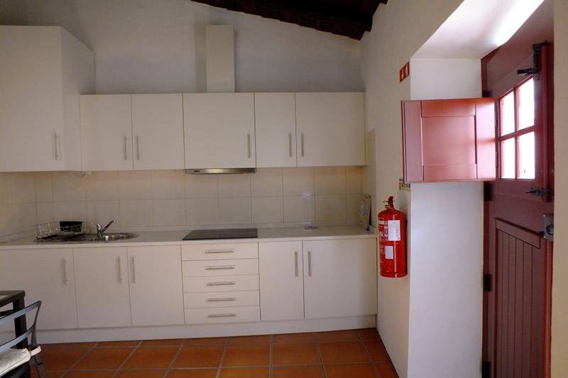 http://aldeiadolago.pt/wp-content/uploads/2014/07/Casa-T2_twin.-Aldeia-do-lago-casa-grande.jpg
